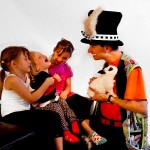 Martin le Magicien, lapin et enfants